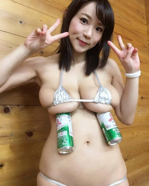 K-Sized Boobs Are Useful (14 pics)