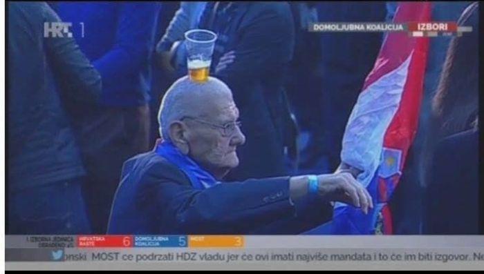 Old People Have Fun (19 pics)