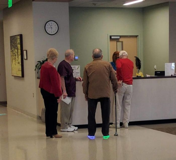 Old People Have Fun (19 pics)