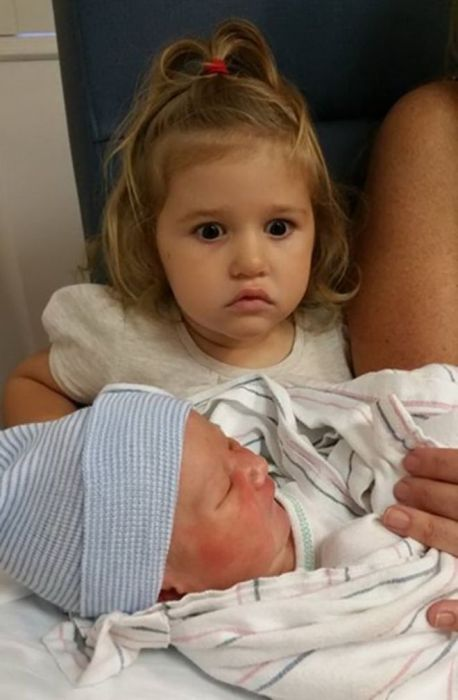 Children Are Not Happy With Babies (9 pics)