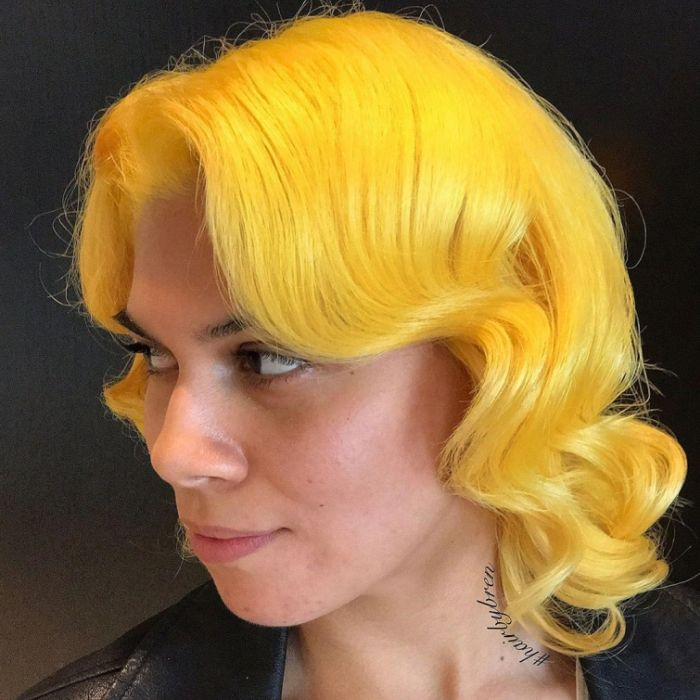 Rare Hair Colors (21 Pics