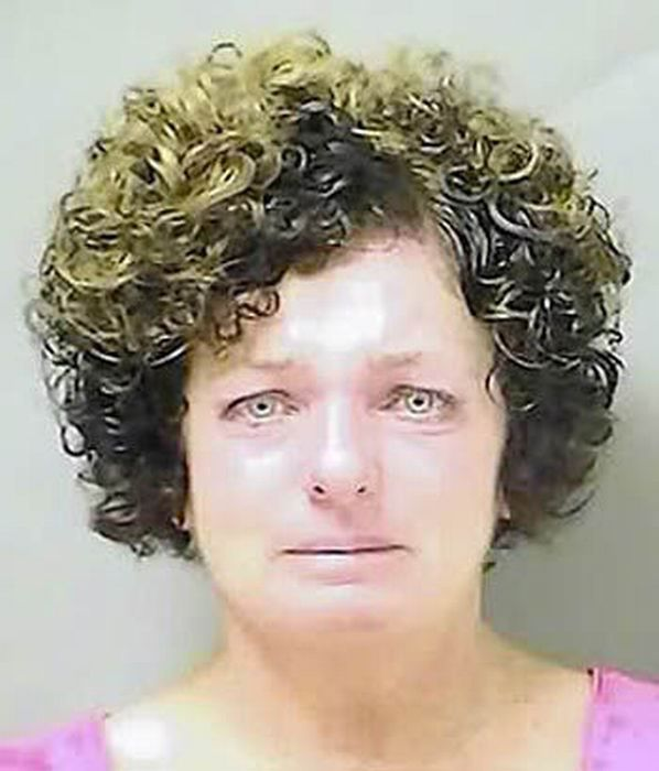 People Crying In Mugshots (20 pics)