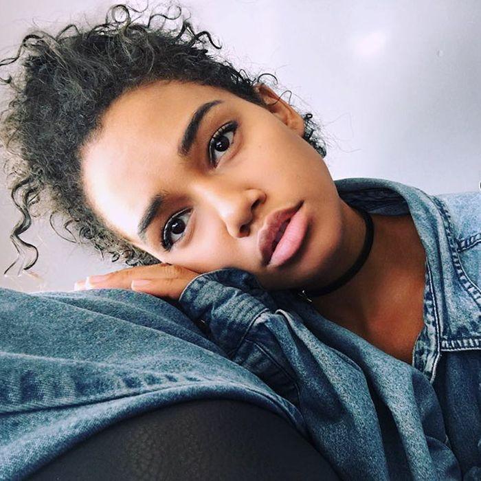 Pretty Black Girls (22 pics)