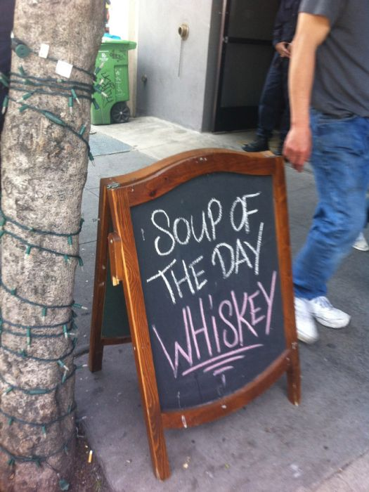 Brilliant Bar and Cafe Chalkboard Signs (15 pics)