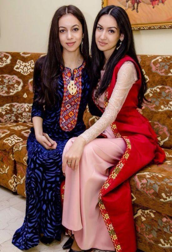 [Imagen: turkmen_beauties_10.jpg]