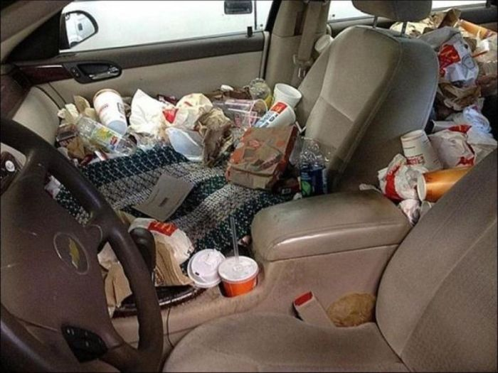 Cars Full Of Trash (14 pics)