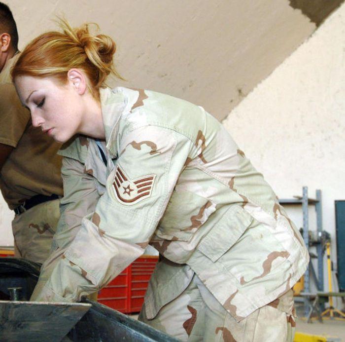 Army Girls (30 pics)