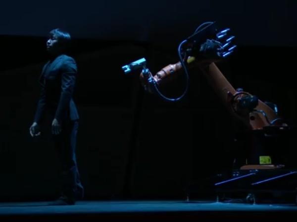 Huang Yi & KUKA: A Human-Robot Dance Duet