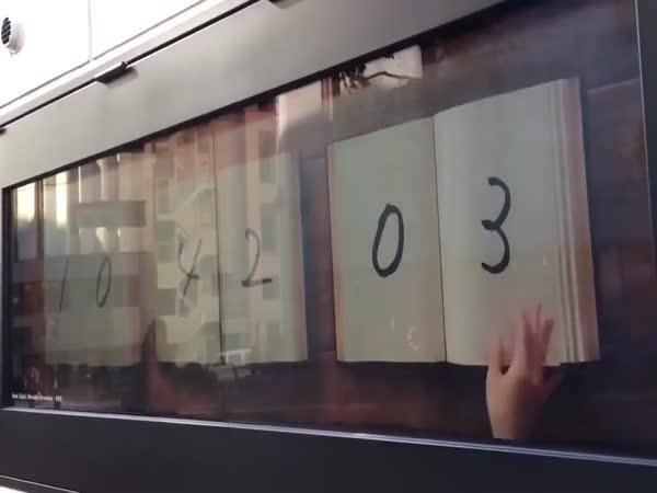 Amazing Street Clock in Japan