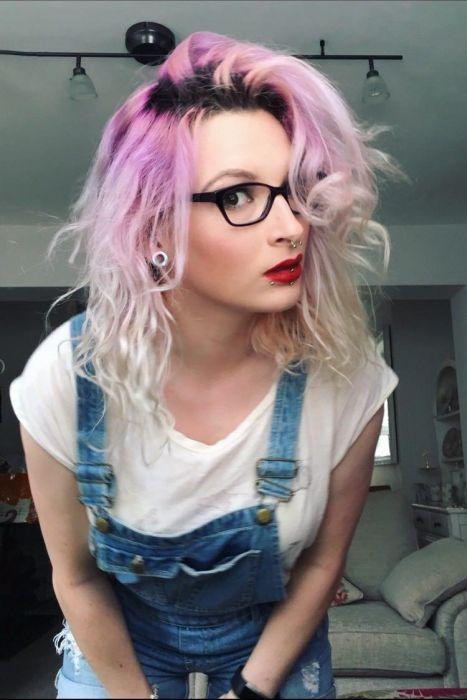 """girl glasses 15 - סקסיות שנראות """"חכמות"""" עם משקפיים (30 תמונות)"""
