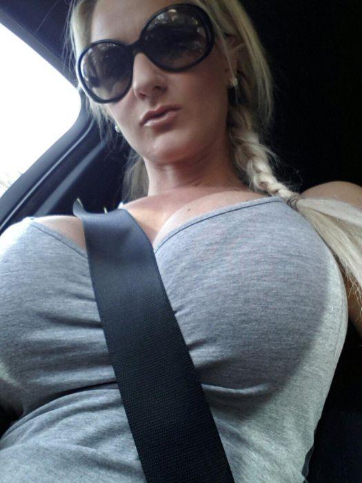 """girl glasses 21 - סקסיות שנראות """"חכמות"""" עם משקפיים (30 תמונות)"""