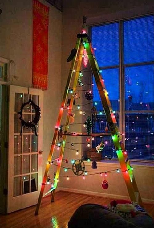 Ladder Christmas Trees (10 pics)