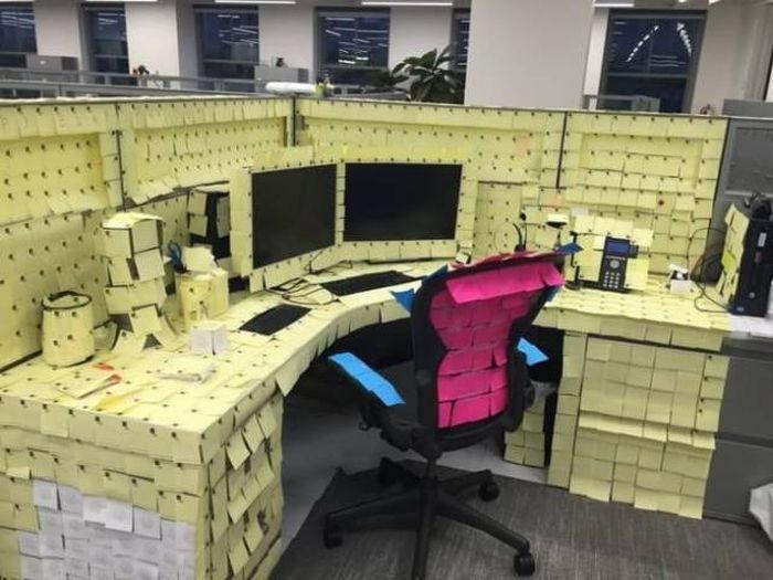 Coworker Pranks (27 pics)