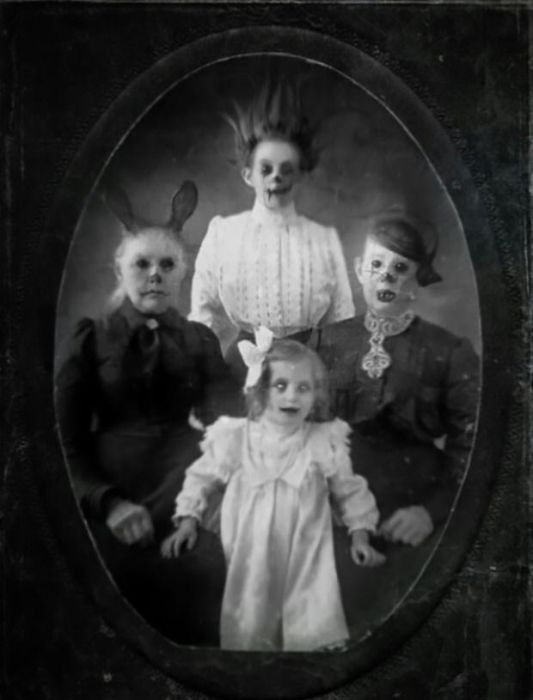 Very Creepy Photos (20 pics)