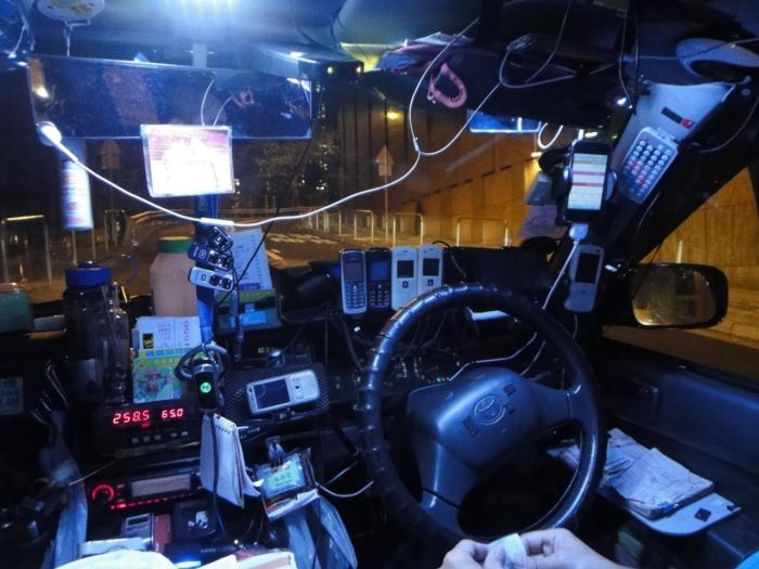 Taxi Drivers in Hong Kong (9 pics)