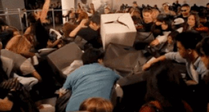 Black Friday Madness (10 gifs)