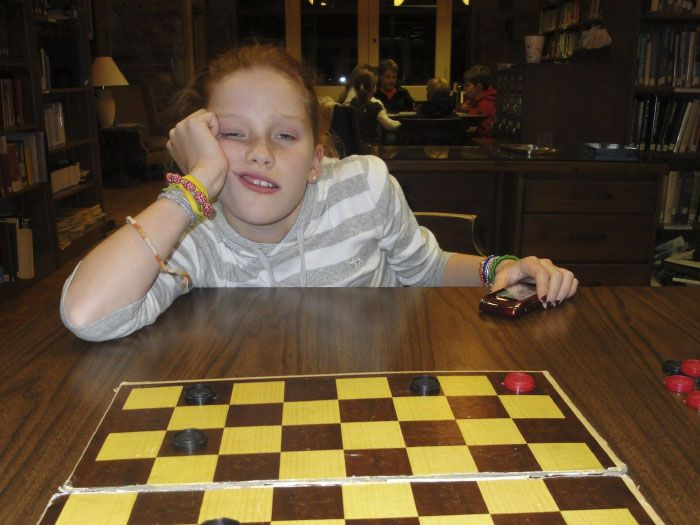 """Every Thanksgiving My Little Cousin Challenges Me To Checkers. I've Been Documenting Her Defeat For The Past 9 Years"" (9 pics)"