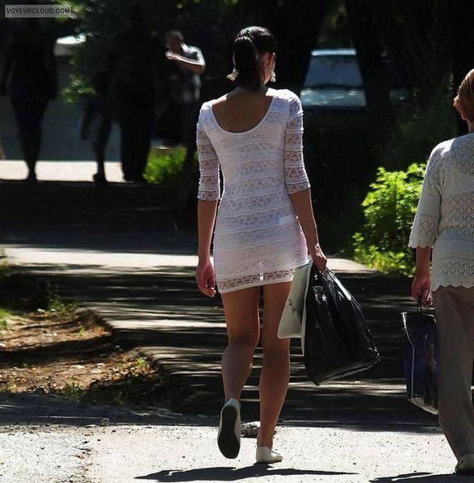 Girls in Transparent Clothes (25 pics)