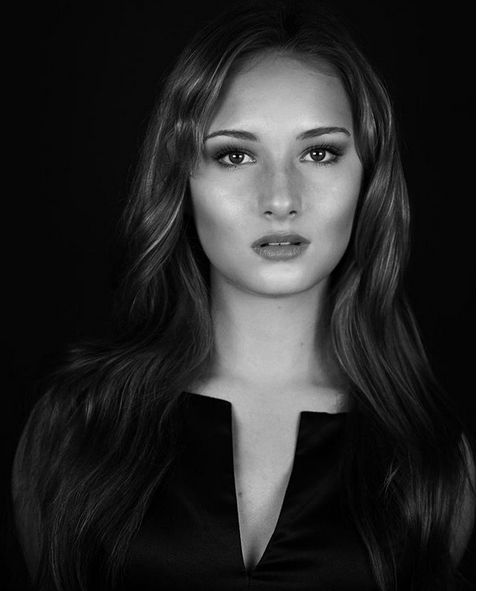 Alexia Maier Is Jennifer Lawrence's Lookalike (10 pics)