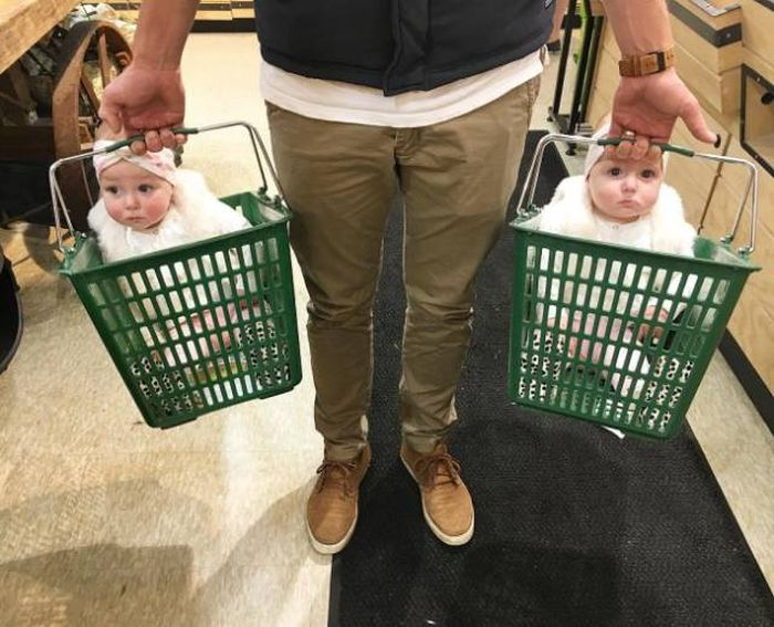 Shopping With Kids (25 pics)