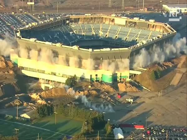 Pontiac Silverdome Blows Up, Doesn't Come Down