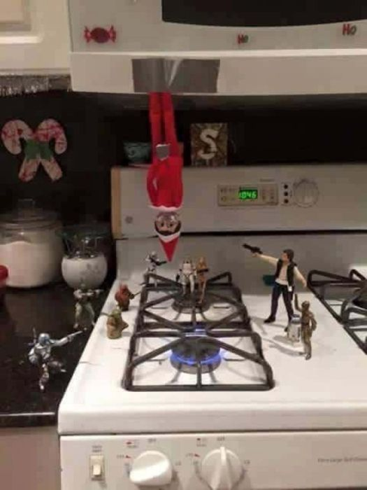 Dads Should Not Be Left In Charge Of Elf On The Shelf (27 pics)