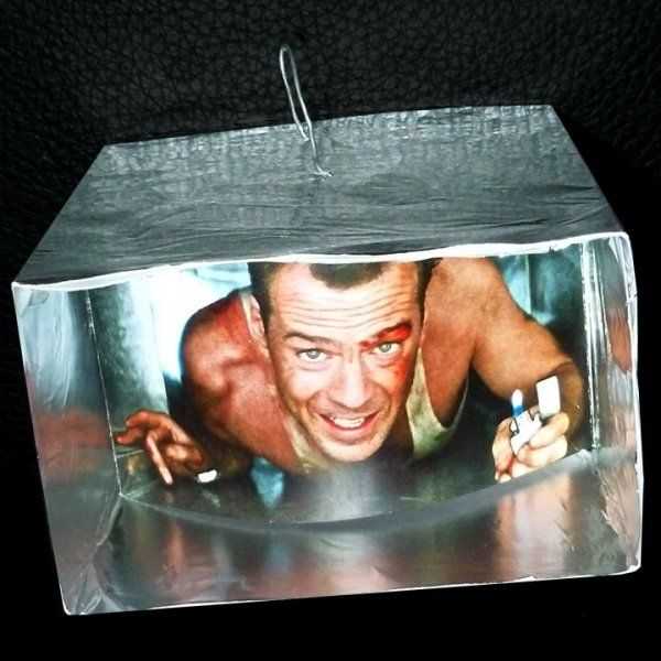 DIY 'Die Hard' Tree ornament (18 pics)