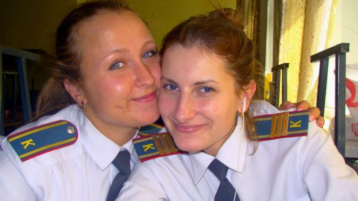 Russian Police Girls (33 pics)