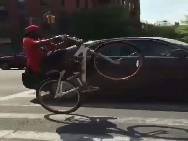 Stunt Biker Owns City Traffic