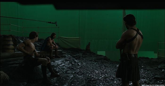 On The Set Of 300 (24 pics)