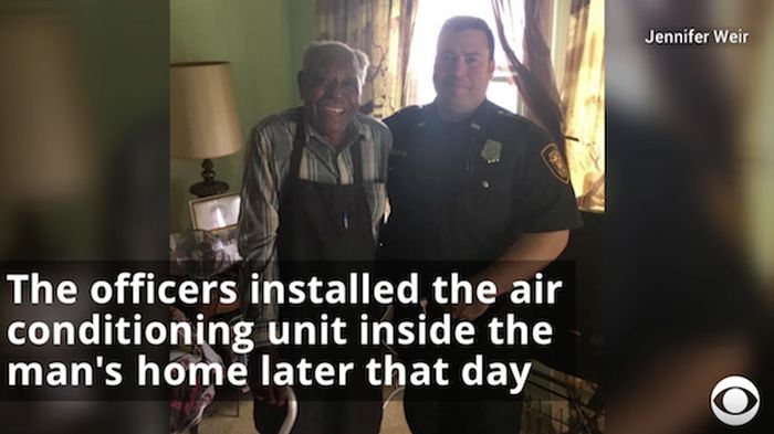 Police Helps A 95-Year-Old Man In Need (11 pics)