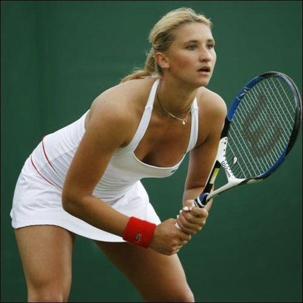 women tennis 06 - שחקניות טניס שנתפסו בעדשה בזמן משחק (19 תמונות)