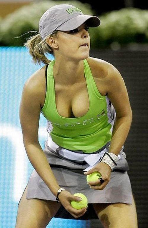 Girls Playing Tennis (19 pics)