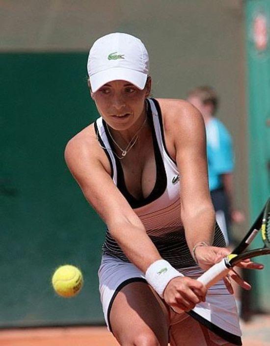 women tennis 08 - שחקניות טניס שנתפסו בעדשה בזמן משחק (19 תמונות)