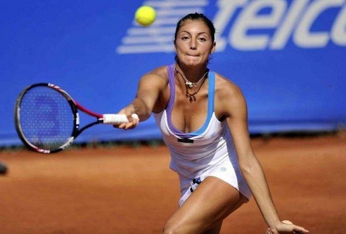 women tennis 09 - שחקניות טניס שנתפסו בעדשה בזמן משחק (19 תמונות)