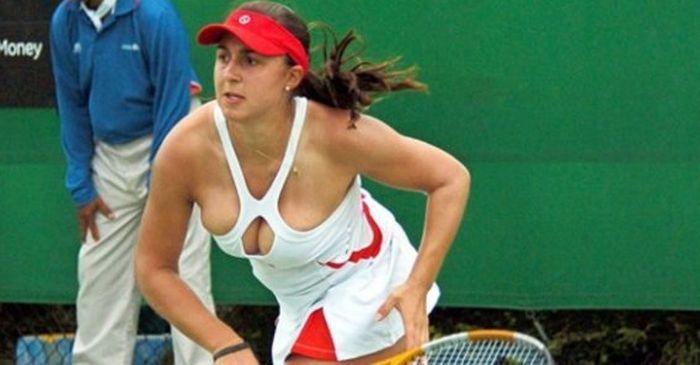 women tennis 10 - שחקניות טניס שנתפסו בעדשה בזמן משחק (19 תמונות)