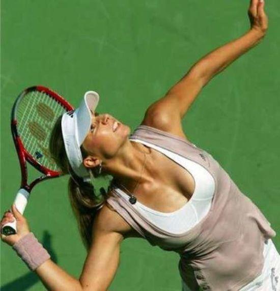 women tennis 11 - שחקניות טניס שנתפסו בעדשה בזמן משחק (19 תמונות)