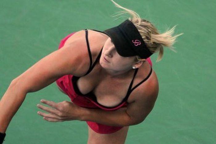 women tennis 14 - שחקניות טניס שנתפסו בעדשה בזמן משחק (19 תמונות)