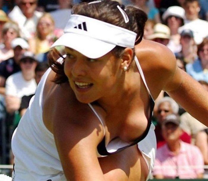 women tennis 16 - שחקניות טניס שנתפסו בעדשה בזמן משחק (19 תמונות)