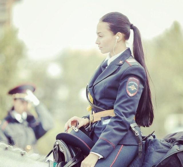 Mounted Police Girls From Russia (5 pics)