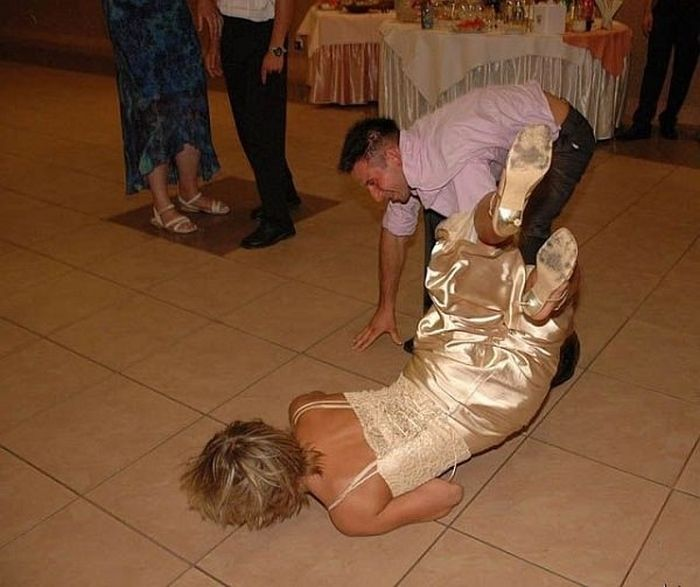 Funny Wedding Photos (19 pics)