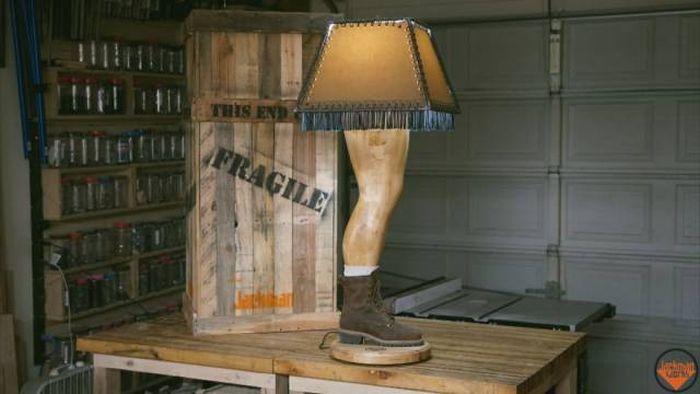 DIY Christmas Story Leg Lamp (24 pics)