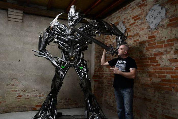 Awesome Scrap Metal Statues (20 pics)