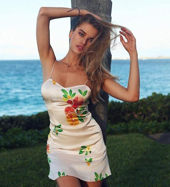 dresses 34 - בנות בשמלות צמודות (45 תמונות)