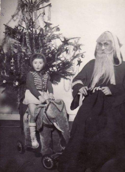 Scary Santa (32 pics)