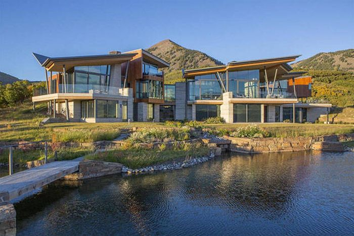 A Perfect House For Just A 27,5$ Million (38 pics)