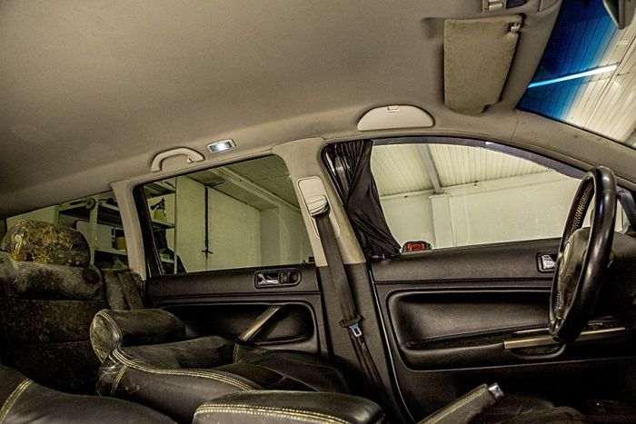 WTF dirty car salon (6 pics)