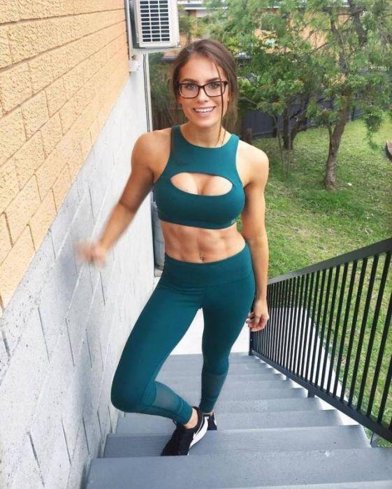 Hot Sport Girls (33 pics)