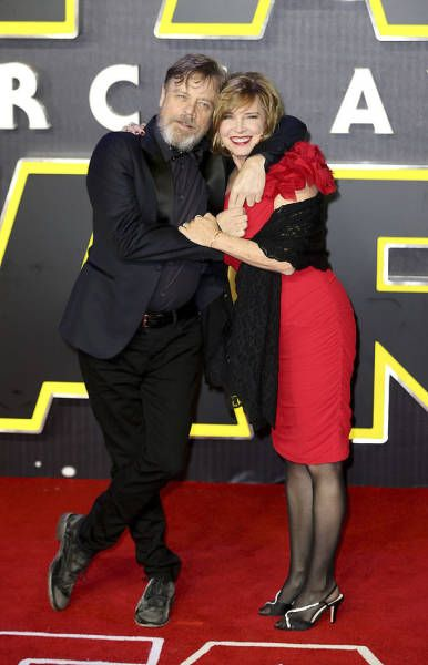 Mark Hamill Proves That Hollywood Romances Can Be Long Lasting As Well (13 pics)