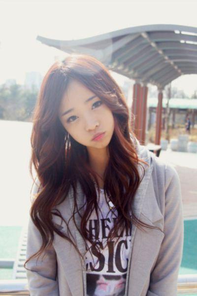 Cute Asian girls (27 pics)